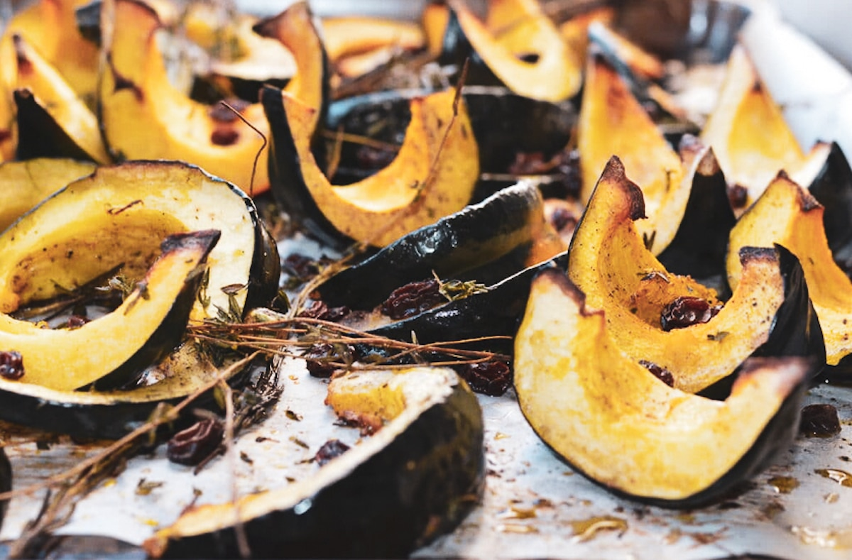 roasted acorn squash wedges with thyme and raisins