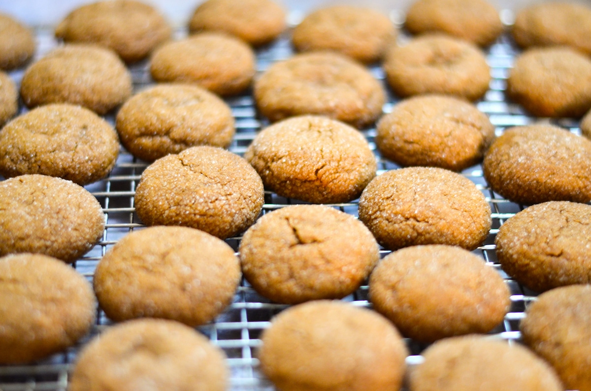 baked gingersnaps on a cooling rack