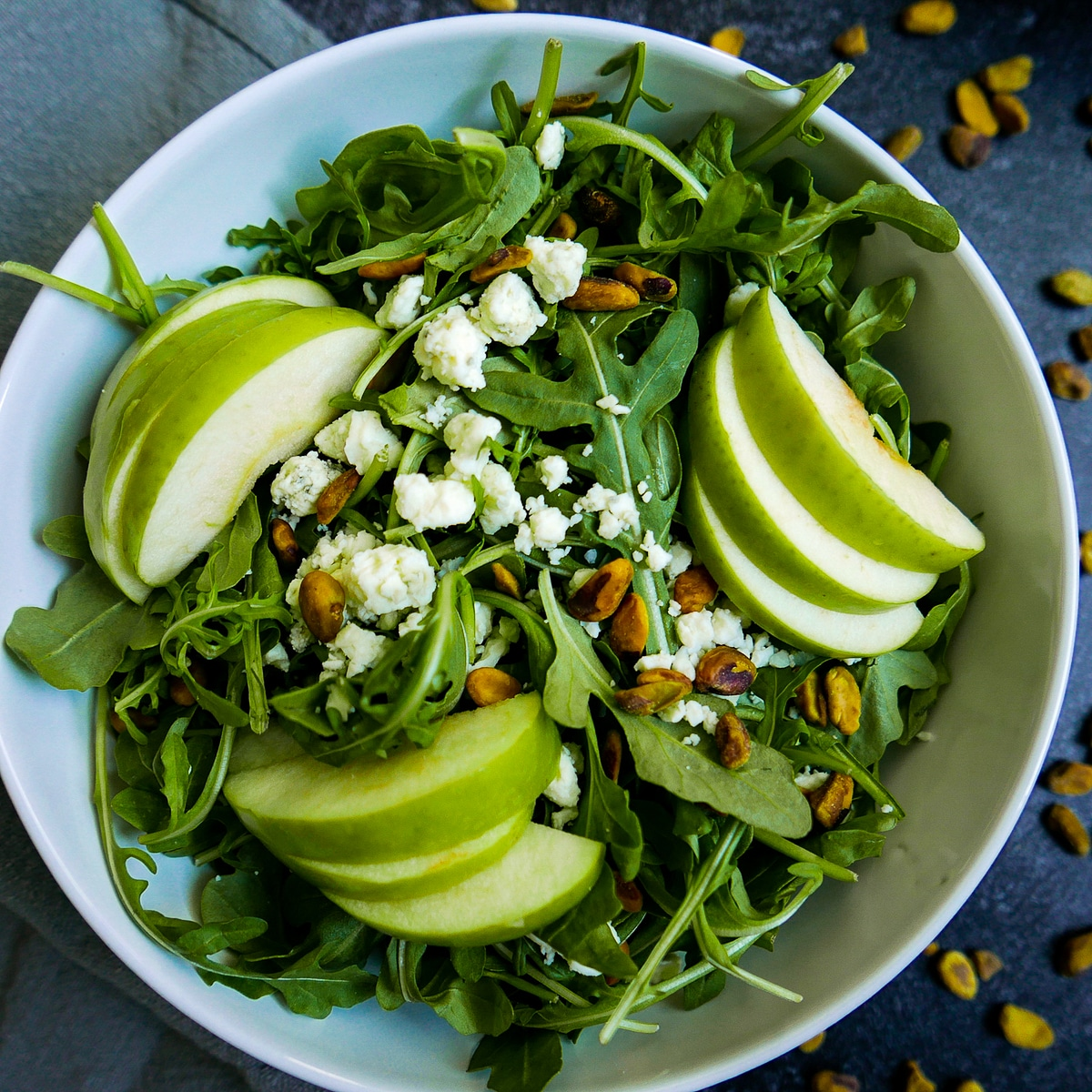 pistachio apple salad with blue cheese